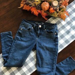 Seven 7 Size 8 Ankle Medium Blue Skinny Jeans
